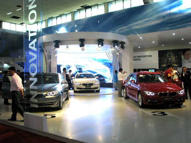 """Choáng ngợp với xe và """"chân dài"""" tại Vietnam Motor Show 2012 ảnh 19"""