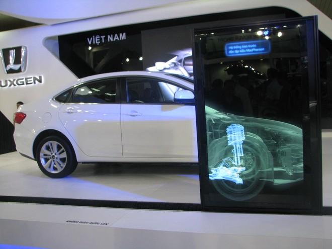 """Choáng ngợp với xe và """"chân dài"""" tại Vietnam Motor Show 2012 ảnh 14"""