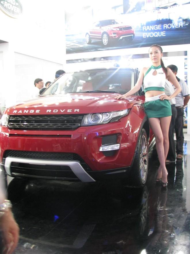 """Choáng ngợp với xe và """"chân dài"""" tại Vietnam Motor Show 2012 ảnh 22"""