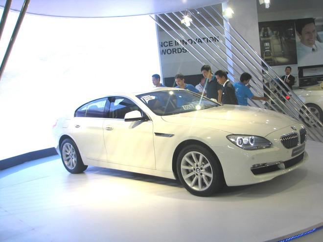 """Choáng ngợp với xe và """"chân dài"""" tại Vietnam Motor Show 2012 ảnh 20"""