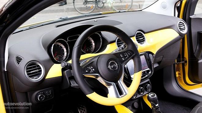 """Nissan giới thiệu """"Taxi của Tương lai"""" tại Paris Motor Show ảnh 5"""