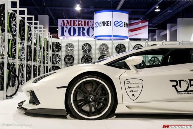 Chiêm ngưỡng Lamborghini Aventador trắng đẹp lóa mắt ảnh 3