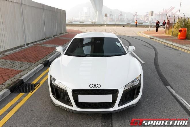 """Audi R8 V10 """"độ"""" đẹp lung linh"""