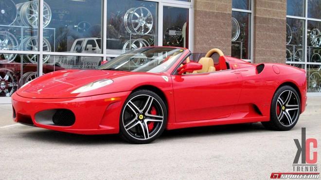 """Ngắm Ferrari F430 biến hóa thành chú """"nhện đỏ"""" ảnh 6"""