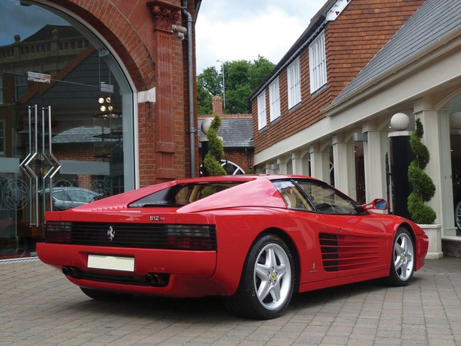 Cơ hội sở hữu siêu xe Ferrari của danh ca Elton John ảnh 2