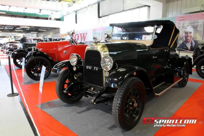 Ý: Độc đáo triển lãm xe Fiat cổ ảnh 2