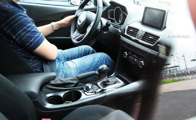 """Mazda3 Hatchback lộ """"ảnh nóng"""" ảnh 1"""