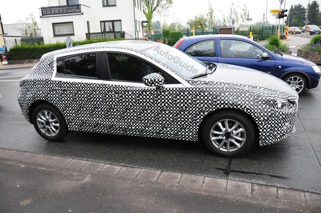 """Mazda3 Hatchback lộ """"ảnh nóng"""" ảnh 4"""