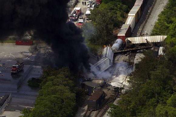 Tai nạn tàu hoả kinh hoàng gây cháy lớn trong 10 giờ đồng hồ ảnh 5