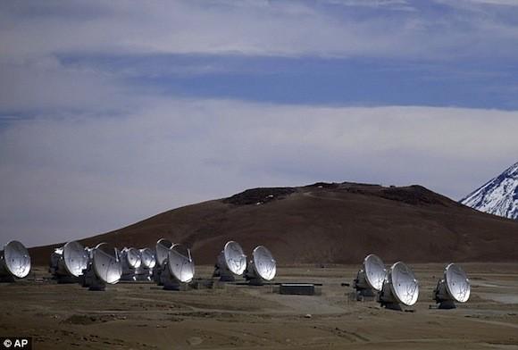 Hiện tượng tuyết rơi cực lạ trên sa mạc khô cằn nhất thế giới ảnh 4