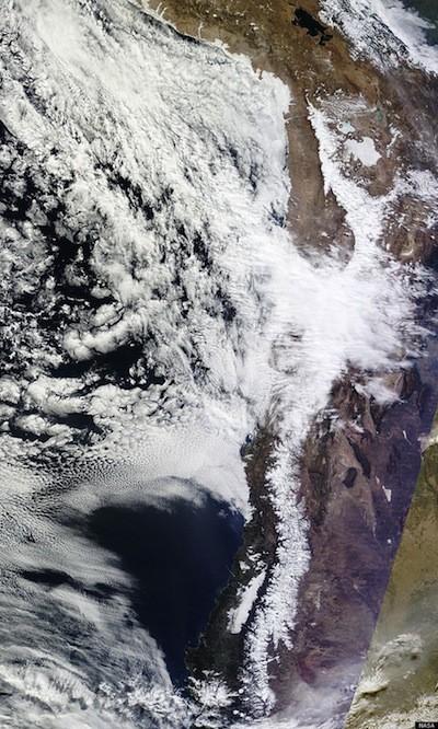Hiện tượng tuyết rơi cực lạ trên sa mạc khô cằn nhất thế giới ảnh 6