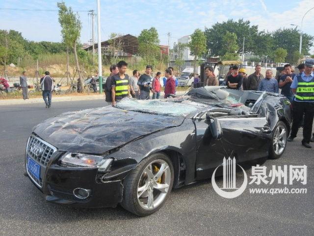 Xế sang Audi bị container đè nát vụn ảnh 3