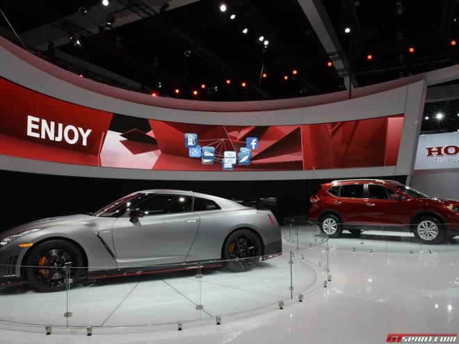 Xế sang Nissan GT-R Nismo xuất hiện bất ngờ ở Los Angeles Auto Show ảnh 3