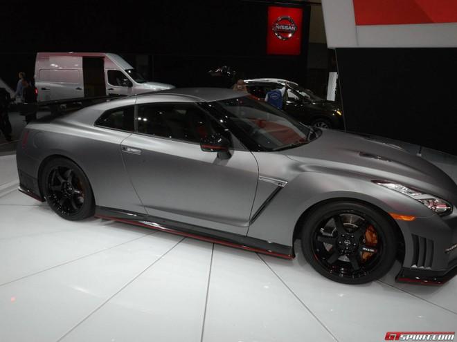Xế sang Nissan GT-R Nismo xuất hiện bất ngờ ở Los Angeles Auto Show ảnh 4