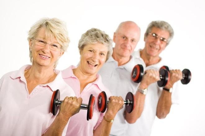 Tập luyện ở tuổi 60, giảm nguy cơ đau ốm tới 7 lần ảnh 1