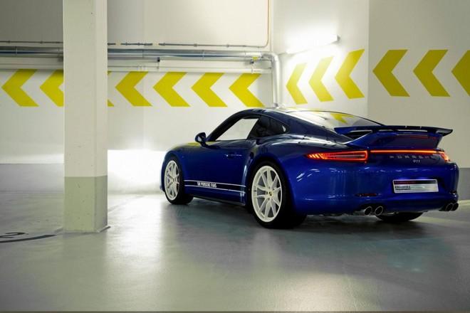 Mãn nhãn với Porsche 911 phiên bản Facebook ảnh 2