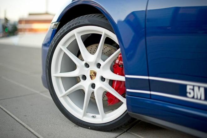 Mãn nhãn với Porsche 911 phiên bản Facebook ảnh 6