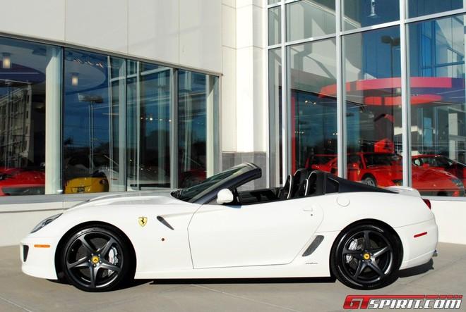 """""""Hàng hiếm"""" của Ferrari được rao bán ảnh 2"""