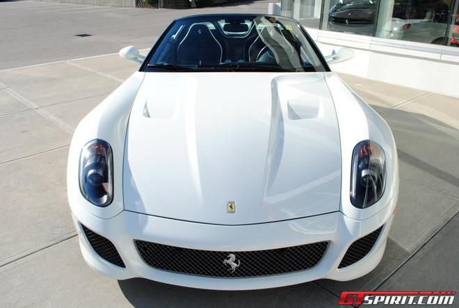"""""""Hàng hiếm"""" của Ferrari được rao bán ảnh 3"""