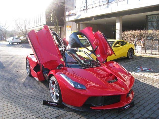 Chiếc LaFerrari đầu tiên được bán với giá hơn 3 triệu USD ảnh 2