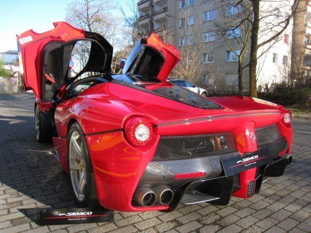 Chiếc LaFerrari đầu tiên được bán với giá hơn 3 triệu USD ảnh 3