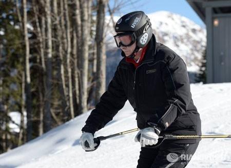 Tổng thống Putin trổ tài trượt tuyết ảnh 2