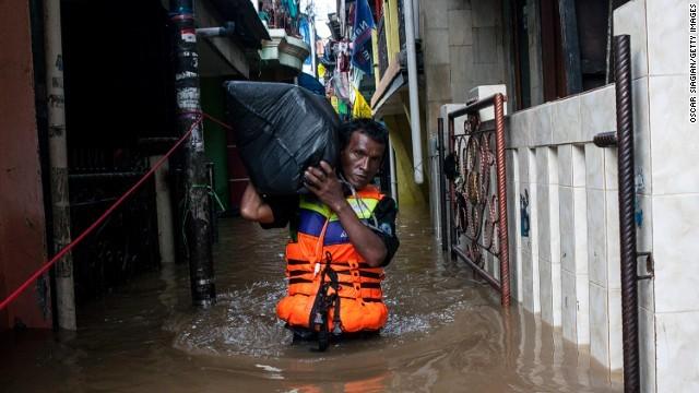 Indonesia: Lũ lớn làm 13 chết, 40.000 người phải rời bỏ nhà cửa ảnh 1