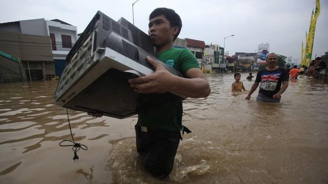 Indonesia: Lũ lớn làm 13 chết, 40.000 người phải rời bỏ nhà cửa ảnh 2