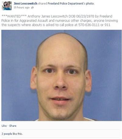 Bị tóm gọn vì tự đăng ảnh truy nã của mình lên Facebook ảnh 1
