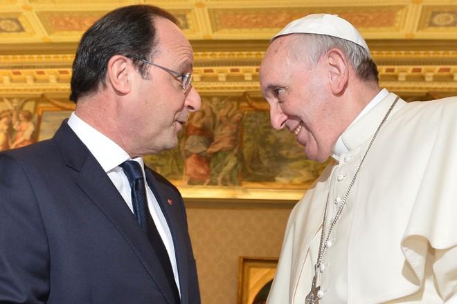 Tổng thống Pháp gặp giáo hoàng Francis giữa scandal tình ái ảnh 1