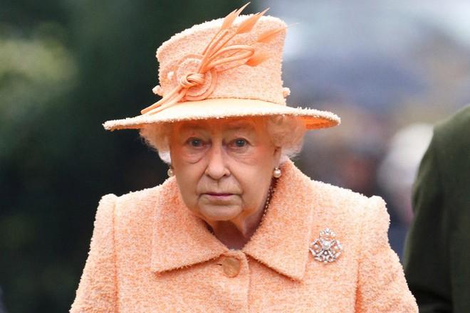 Tài sản của nữ hoàng Elizabeth xuống mức thấp kỉ lục ảnh 1
