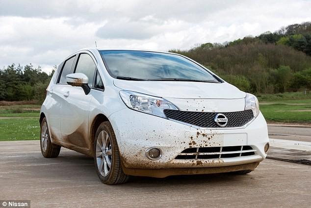Nissan sản xuất xe có thể tự rửa trôi bùn đất ảnh 2