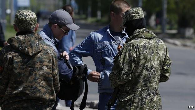 Nga sẽ tìm cách thả tự do cho các quan sát viên phương Tây ảnh 1