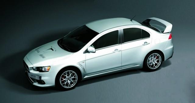 """Mitsubishi Lancer Evolution X tiếp tục """"sống"""" đến năm 2015 ảnh 1"""