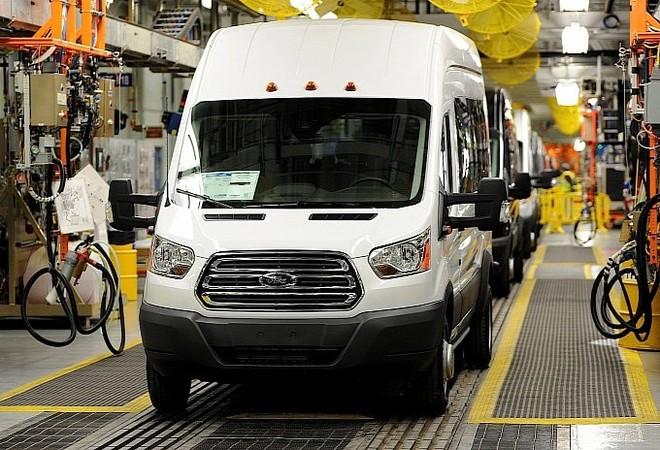 Ford Transit 2015: Động cơ khoẻ, sức chứa lớn, siêu tiết kiệm xăng ảnh 2