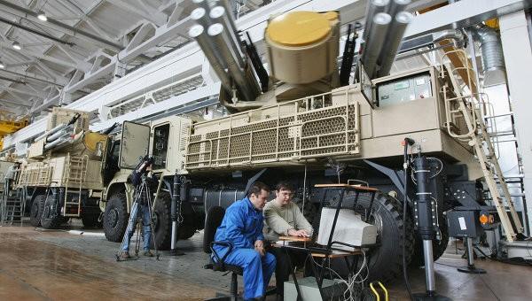 Xuất khẩu vũ khí hiện đại của Nga không bị ảnh hưởng bởi các lệnh trừng phạt ảnh 1