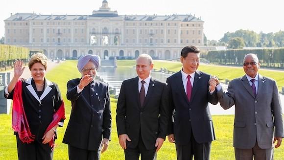 BRICS đặt trụ sở ngân hàng riêng ở Thượng Hải ảnh 1