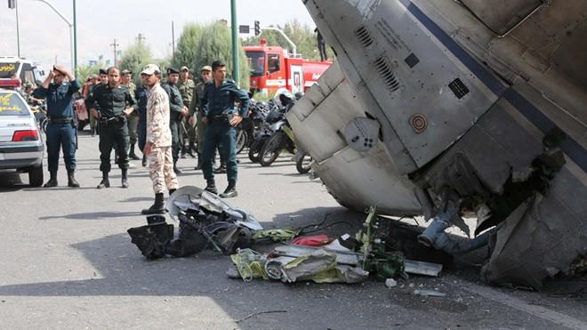 Máy bay chở khách rơi ở Iran, 45 người thiệt mạng ảnh 2