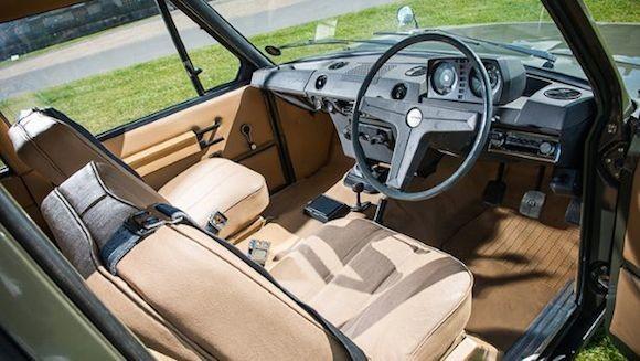 Chiếc Range Rover lâu đời nhất thế giới được đưa lên sàn đấu giá ảnh 6