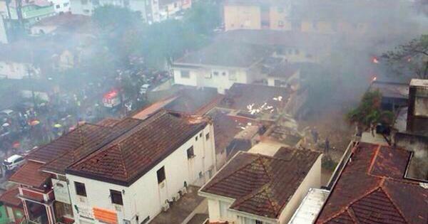 Máy bay chở ứng viên tổng thống Brazil đâm xuống khu dân cư ảnh 4