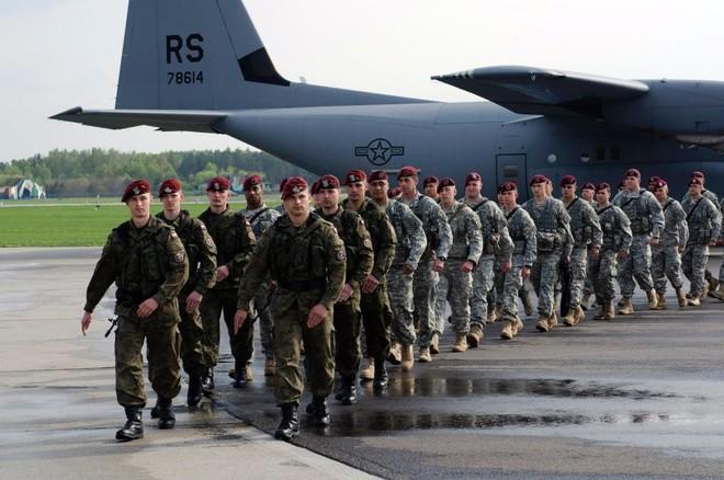 Anh hứa đóng góp 3.500 quân vào lực lượng phản ứng nhanh của NATO ảnh 1