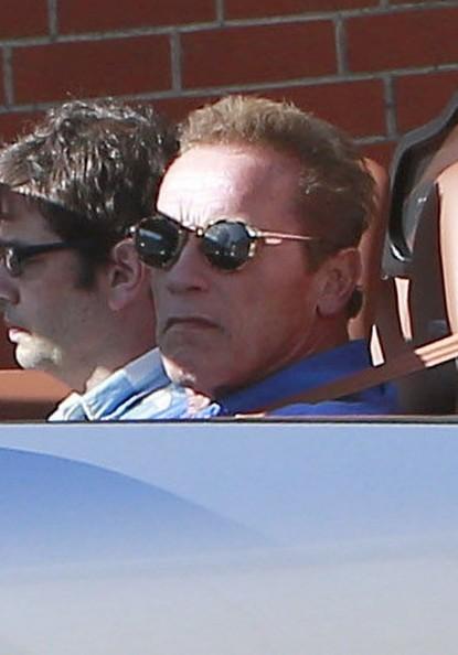 """Kẻ huỷ diệt"" Arnold Schwarzenegger vi vu cùng Bugatti Veyron ảnh 2"