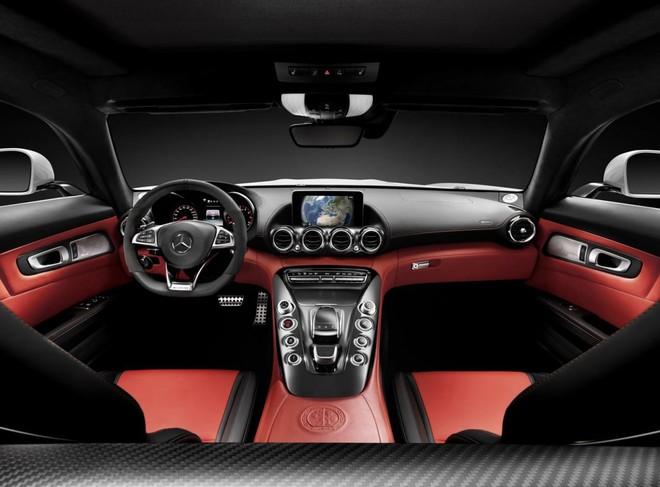 Mercedes-Benz AMG GTS: Diện mạo phá cách, sức mạnh vượt trội ảnh 11