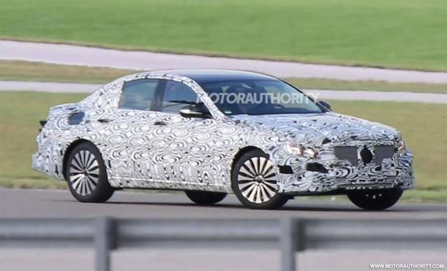Mercedes-Benz E-Class đời mới lộ ảnh chạy thử ảnh 1