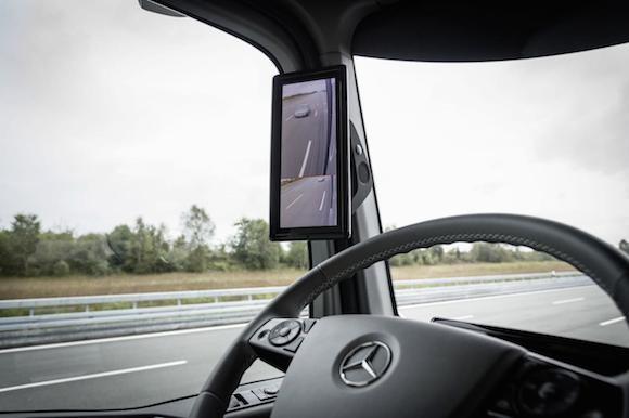 Mercedes-Benz Future Truck 2025: Chiếc xe tải đến từ tương lai ảnh 9