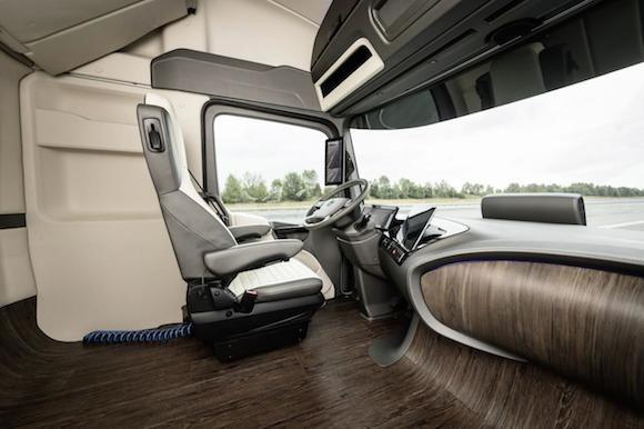 Mercedes-Benz Future Truck 2025: Chiếc xe tải đến từ tương lai ảnh 2