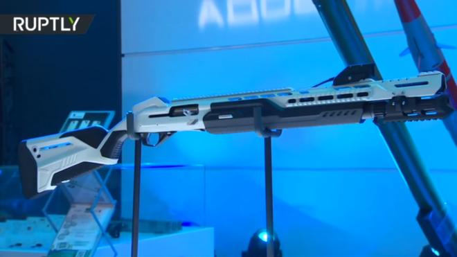 [VIDEO] Nga ra mắt súng shotgun có thể kết nối với điện thoại thông minh ảnh 1