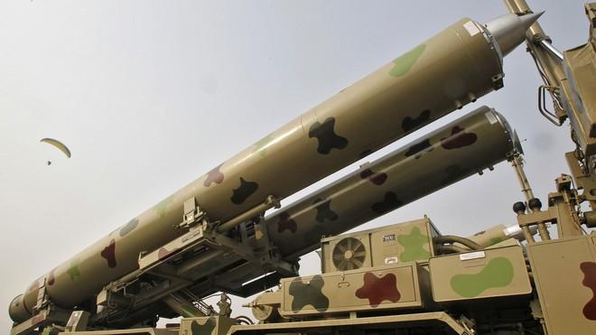 Ấn Độ phóng tên lửa BrahMos tầm bắn mở rộng giữa lúc căng thẳng với Trung Quốc ảnh 1
