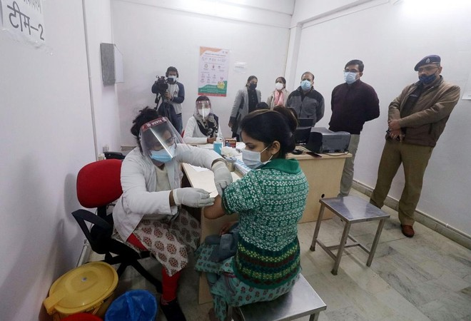 [ẢNH] Cận cảnh chương trình tiêm chủng lớn nhất thế giới ở Ấn Độ ảnh 3