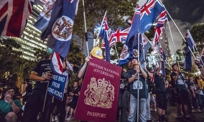 """Trung Quốc bỏ công nhận """"hộ chiếu công dân Anh ở nước ngoài"""" ảnh 1"""